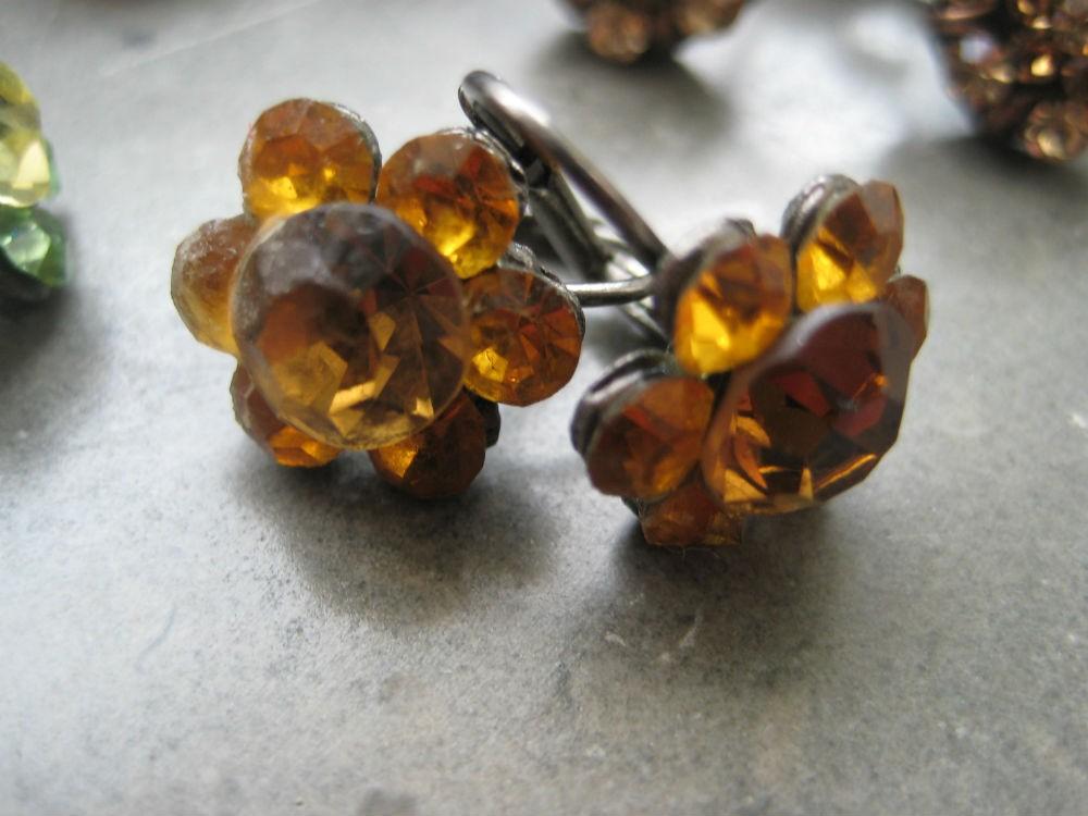 4 pares brincos antialérgicos Pedra Dura, flores(nunca usados) 1