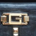 Porta moedas preto Guess 8