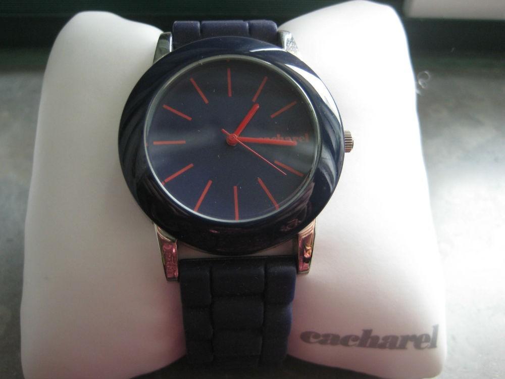 Relógio original Cacharel,azul,n/embalagem(NOVO) 2