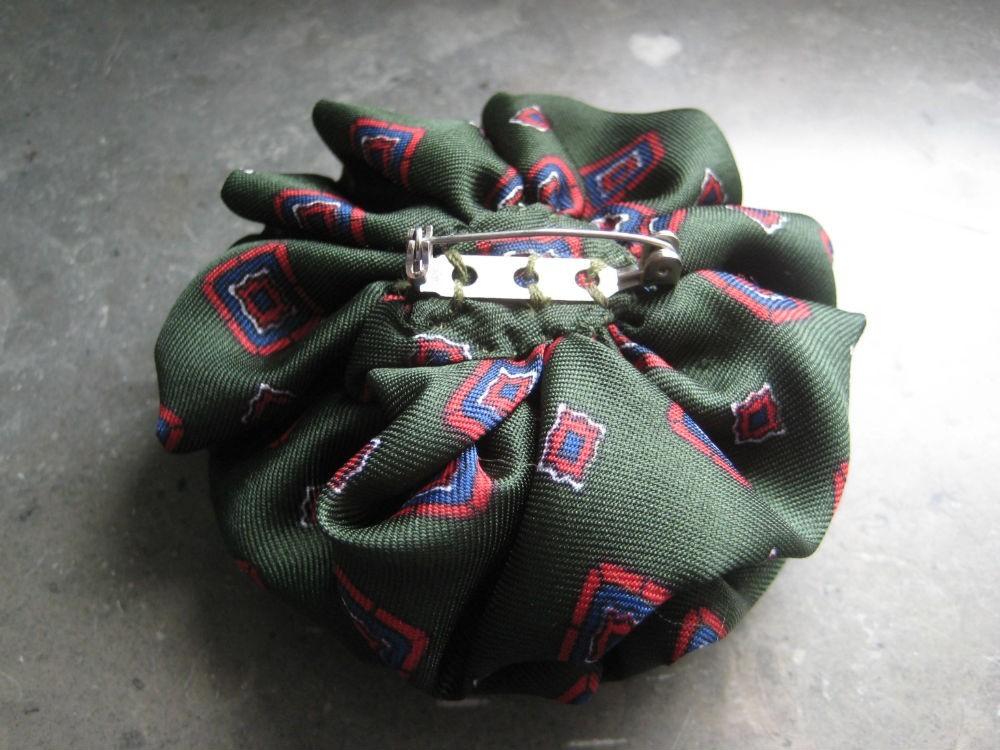 Alfinete/Pregadeira seda verde(NOVA) 2