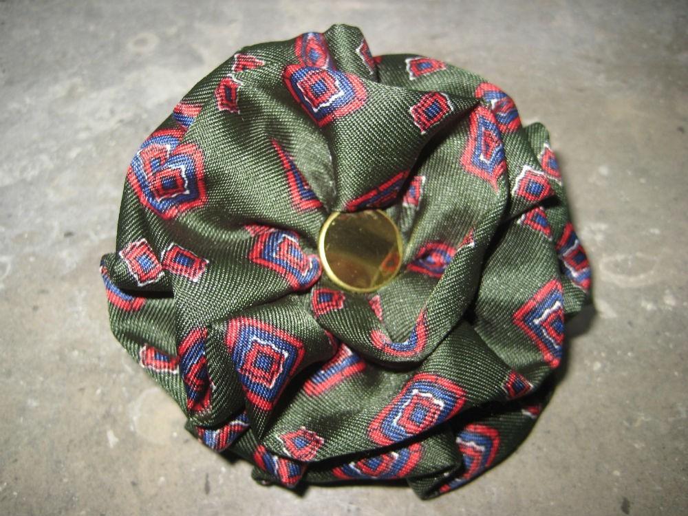 Alfinete/Pregadeira seda verde(NOVA) 1