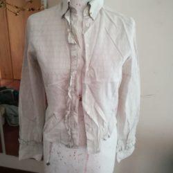 Camisola formal com folho em branco acizentado 1
