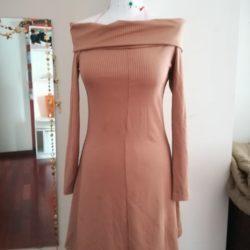 vestido nude justo sem ombros 1