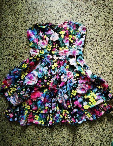 8 vestidos por 22 todos ou por 5 eur cada 8