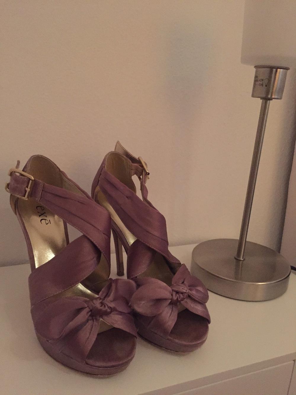 Sandálias elegantes Exé 1