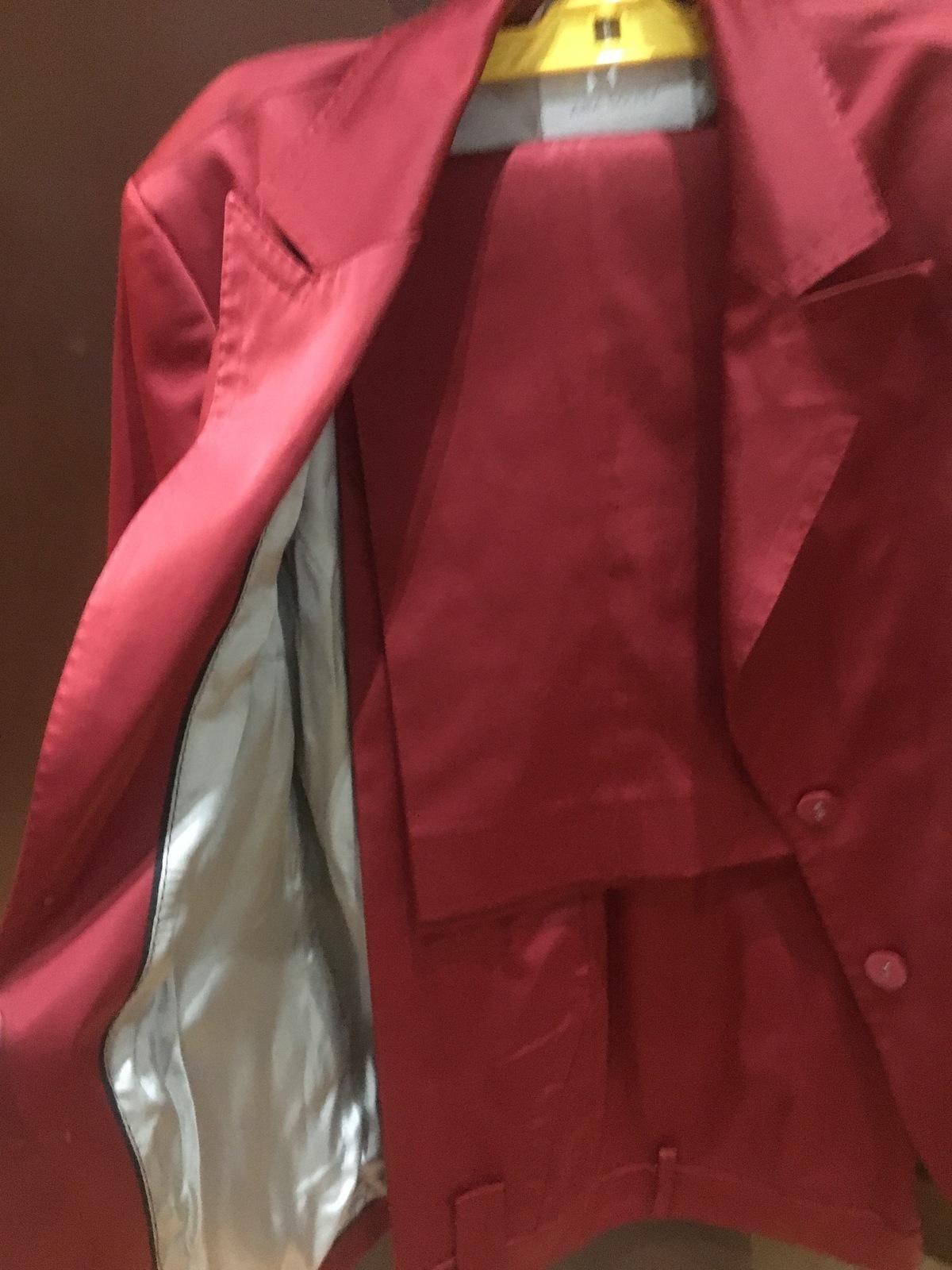Blazer e Calça Vermelha    n46 3