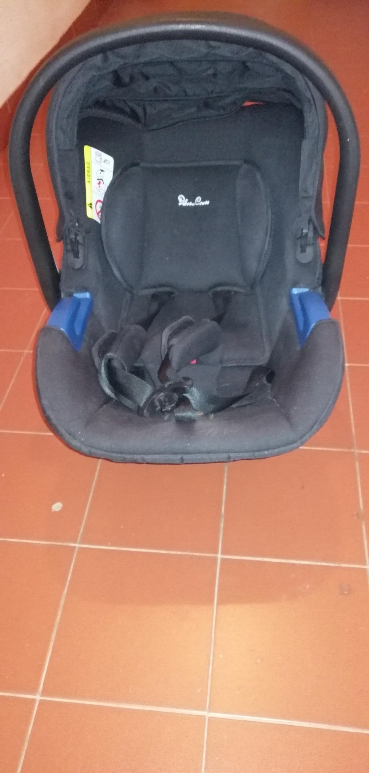 Cadeira carro + alcofa 7