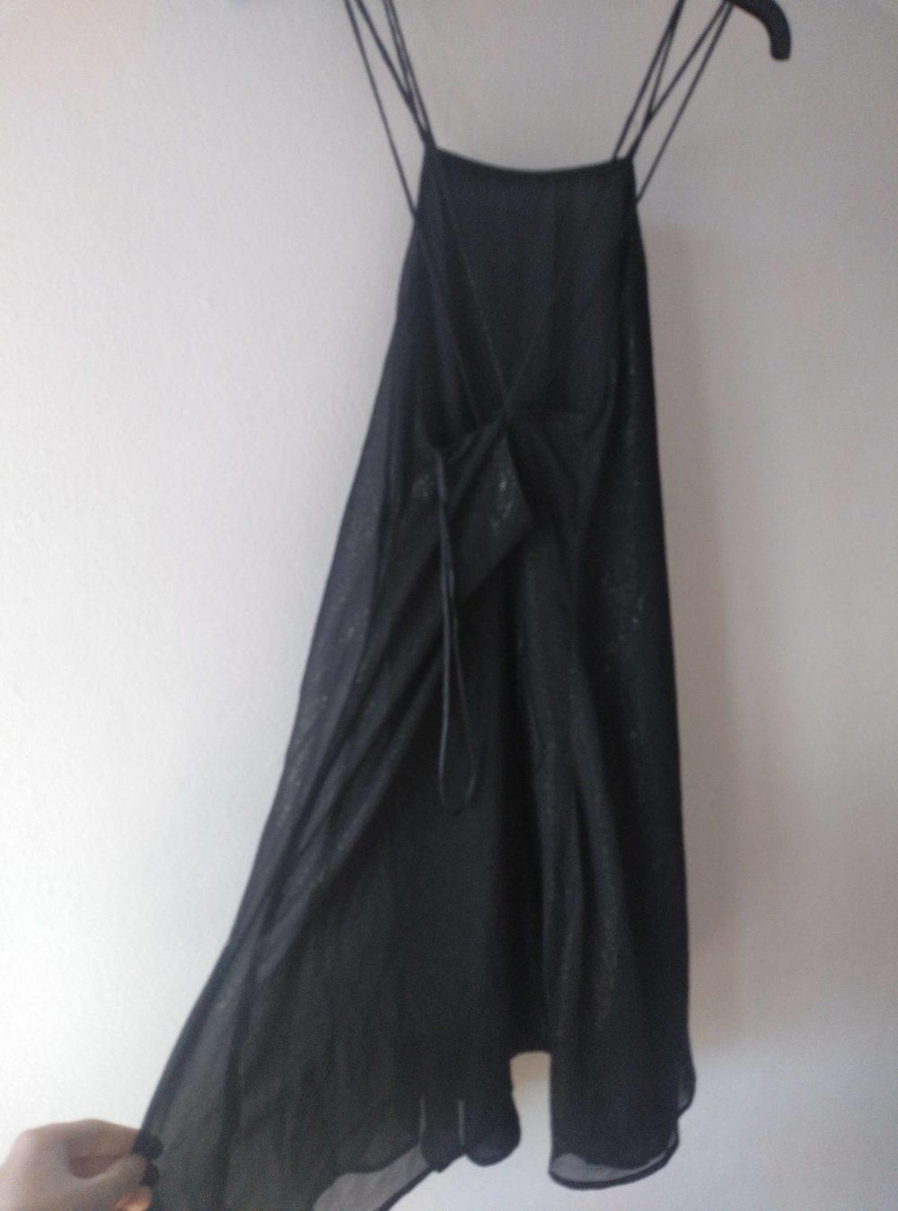 Vestido preto brilhante costas cruzadas MANGO 2