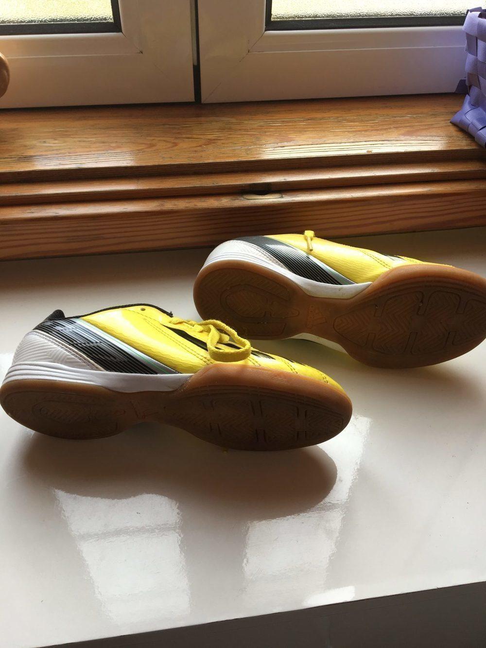 Sapatilhas casual ou futebol salão 4