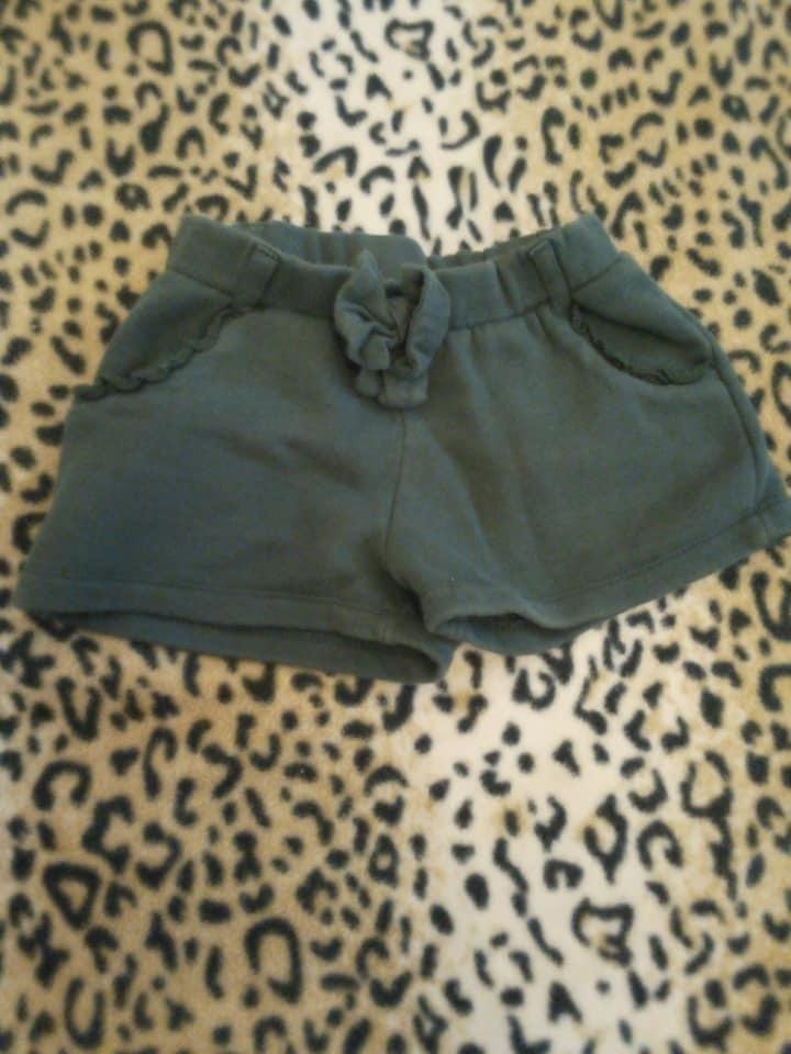 vendo pecas de roupa de meninas de varios tamanhos 5