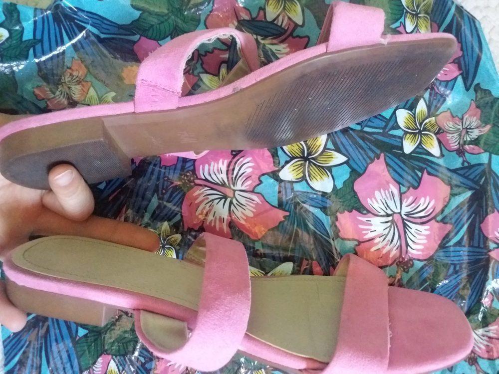 Chinelo Rosa H&M 2